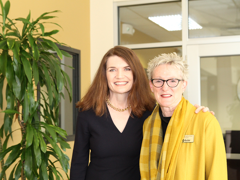 Jeannette Walls, Author of The Glass House, with Dr. Kim Krull.